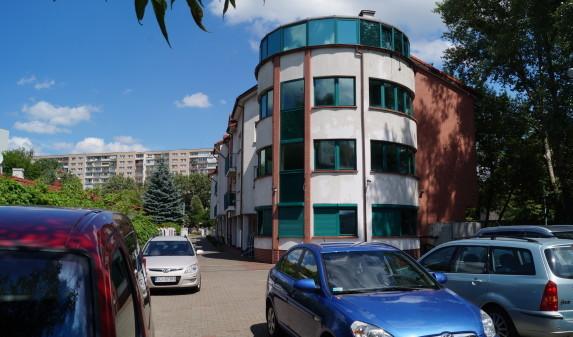 Centrum przy ul. Śródziemnomorskiej 11